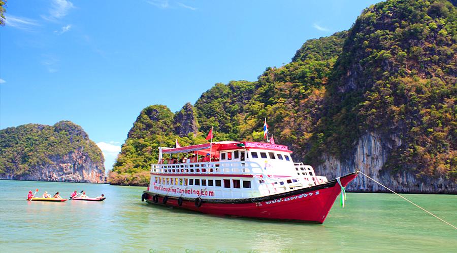 seacanoebigboat